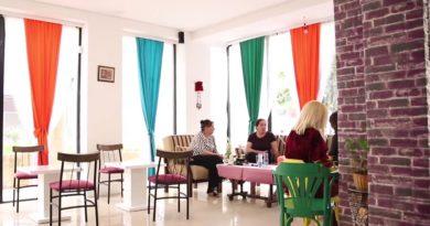"""""""Veç për Zonja"""", Kafeneja në Prishtinë ku burrat nuk janë të mirëpritur"""