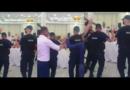 Policët me uniformë ia krisin vallës në dasmë
