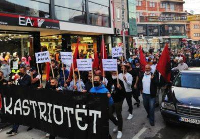 Marsh protestues i banorëve të Gostivarit kundër shtrenjtimit të rrymës