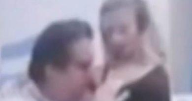 Deputeti puth gjoksin e të dashurës gjatë video-konferencës, ndëshkimi i dhënë ndaj tij