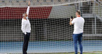 Mourinho zbuloi diçka të pazakontë në stadiumin e Shkupit