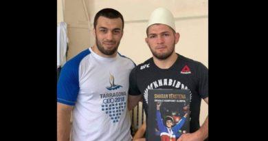 Khabib me plis shqiptari, dhuratë që ia dërgoi kampioni olimpik Shaban Tërstena
