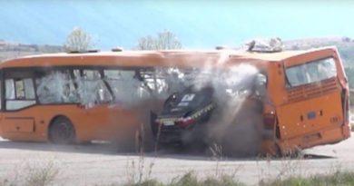 Testohet vetura Opel Omega – me shpejtësi 208 km/orë go'det një autobus