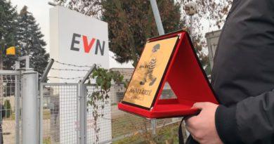 """EVN-së i jepet shpërblimi """"Hajduti i Artë"""" (Video)"""