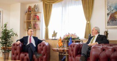 Grubi takohet me ambasadorin e Republikës së Kosovës, Gjergj Dedaj