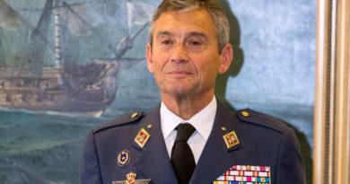U akuzua se u vaksinua pa radhë, jep dorëheqje gjenerali i Ushtrisë Spanjolle