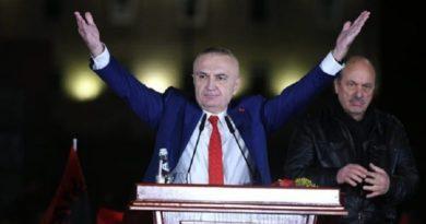 'Presidenti i qytarëve sillet si opozitar'. Meta: Marshimin kuqezi të nisur më 2 mars 2020 do ta çojmë deri në fund