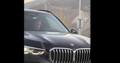 Reagon Shpend Ahmeti pas i'u publikua fotografia në një veturë luksoze