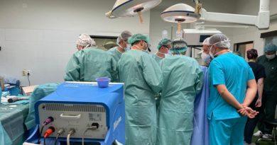 Është realizuar transplanti i dytë i zemrës në Maqedoninë e Veriut te një pacient 22 vjeçar